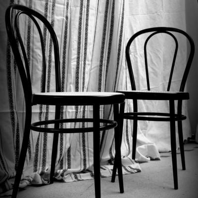 Open Plaats - Retrodag 2019: klassieke stoelen in De Kringwinkel