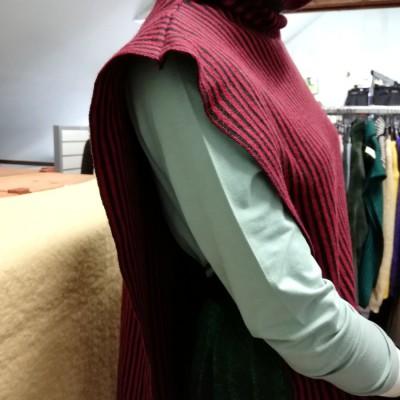 Open Plaats - tweedehands trui van Roos Vandekerckhove in de kringloopwinkel Brugse Poort
