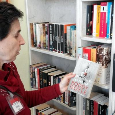 Open Plaats - In de kringloopwinkel vind je soms dat ene boek dat je al lang zocht en nergens anders meer kan krijgen