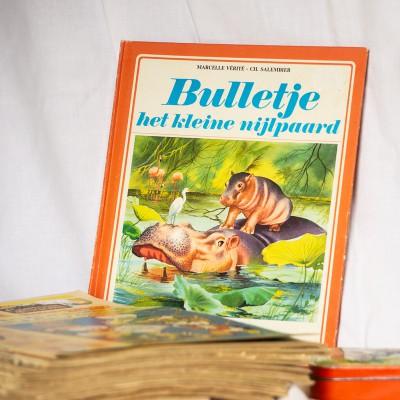 Open Plaats - vintage tweedehands Tiny boeken in de kringloopwinkel gent en destelbergen