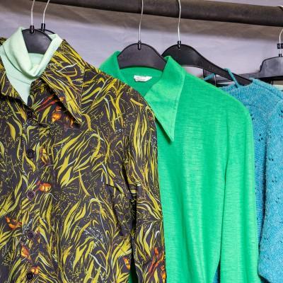 Open Plaats - tweedehands retro kleding in de kringloopwinkel gent en destelbergen