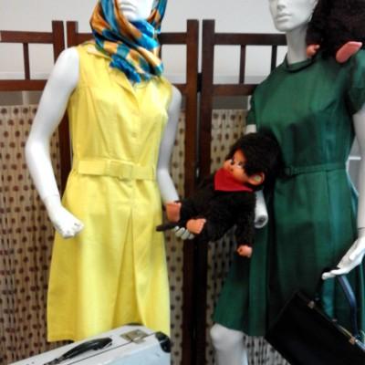 Open Plaats - Dag van De Kringwinkel: retro kledij op zolder