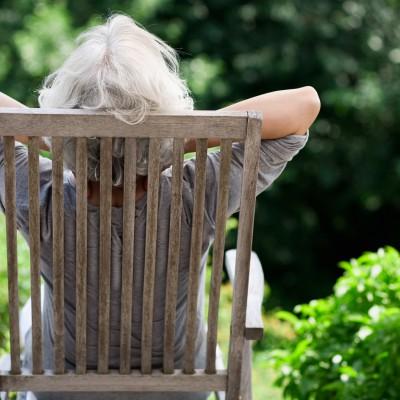 Open Plaats - tuinzetels en tuinstoelen kunt u ook tweedehands kopen in de kringloopwinkel
