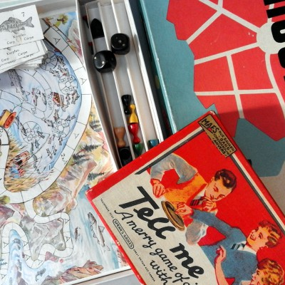 Open Plaats - retro spelletjes  en puzzels in de kringloopwinkel