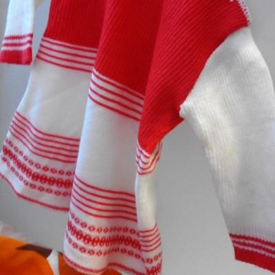 Open Plaats - tweedehands retro kleedje voor kleuter in de kringloopwinkel