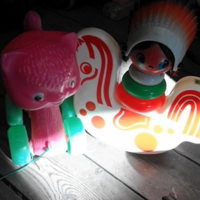 Open Plaats - tweedehands retro speelgoed voor kleine kinderen in de kringloopwinkel