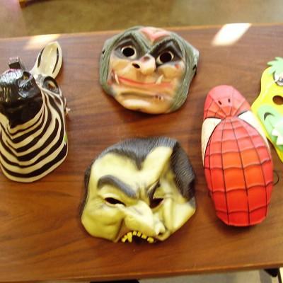 Open Plaats - kies je masker voor carnaval in De Kringwinkel Open Plaats