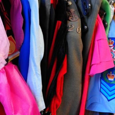Open Plaats - tweedehands carnavalskleren in de kringwinkel