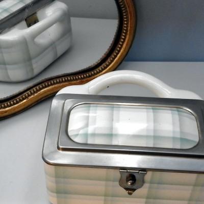 Open Plaats - tweedehands vintage pot voor zout of andere etenswaren in de kringloopwinkel