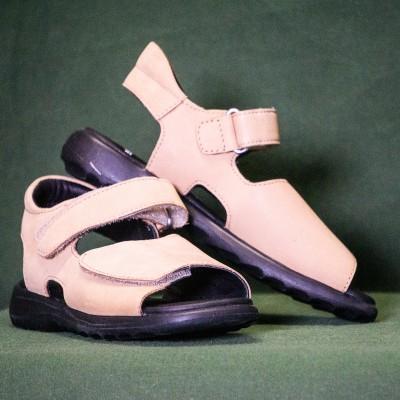 Open Plaats - tweedehands retro schoenen in de kringloopwinkel gent en destelbergen
