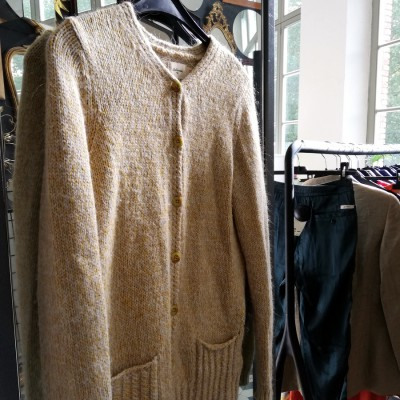 Open Plaats - tweedehands trui van Bellerose in de kringloopwinkel Brugse Poort