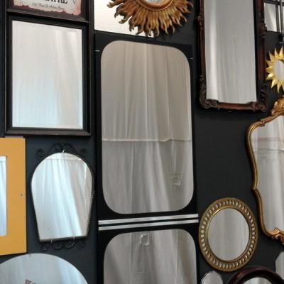Open Plaats - Met spiegels maakten we deze spiegelwand als upcycle project