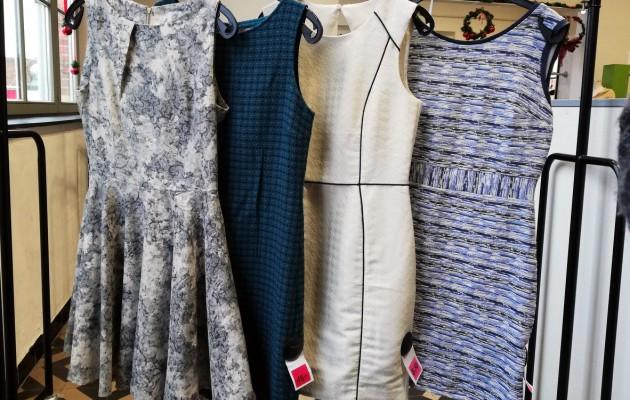 Open Plaats feestelijke jurken in de kringloopwinkel