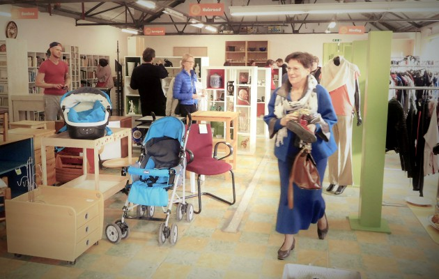 Open Plaats groot aanbod in De Kringwinkel Open Plaats in Destelbergen