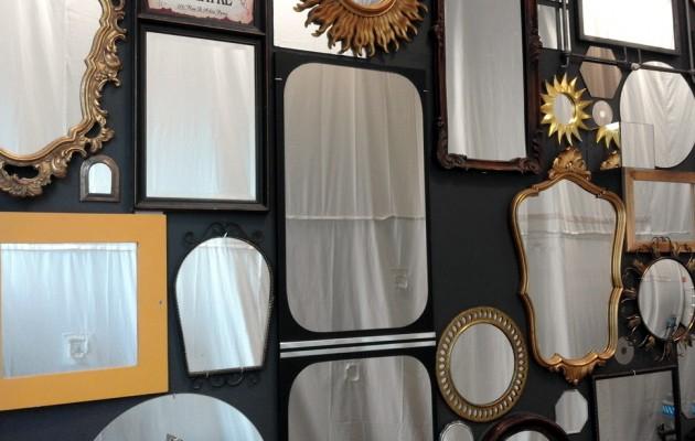 Open Plaats Met spiegels maakten we deze spiegelwand als upcycle project